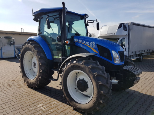 NEW HOLLAND TD5 Farm tractor